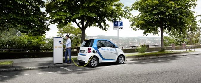 Netze BW agiert auf fünf zentralen Handlungsfeldern, um künftig volle Fahrt voraus für die Elektromobilität zu gewährleisten.