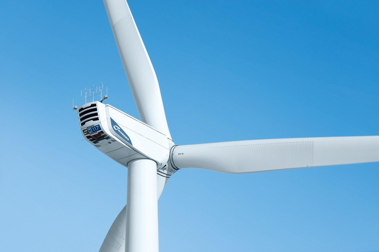 Nordex N117 im Windpark Stadum-Sprakebüll in Schleswig-Holstein. Nordex N117 in Stadum-Sprakebüll wind farm in Schleswig-Holstein.  Nordex SE 3.2.2012 (c) Foto: Jan Oelker / Nordex , 2012 jan.oelker@gmx.de