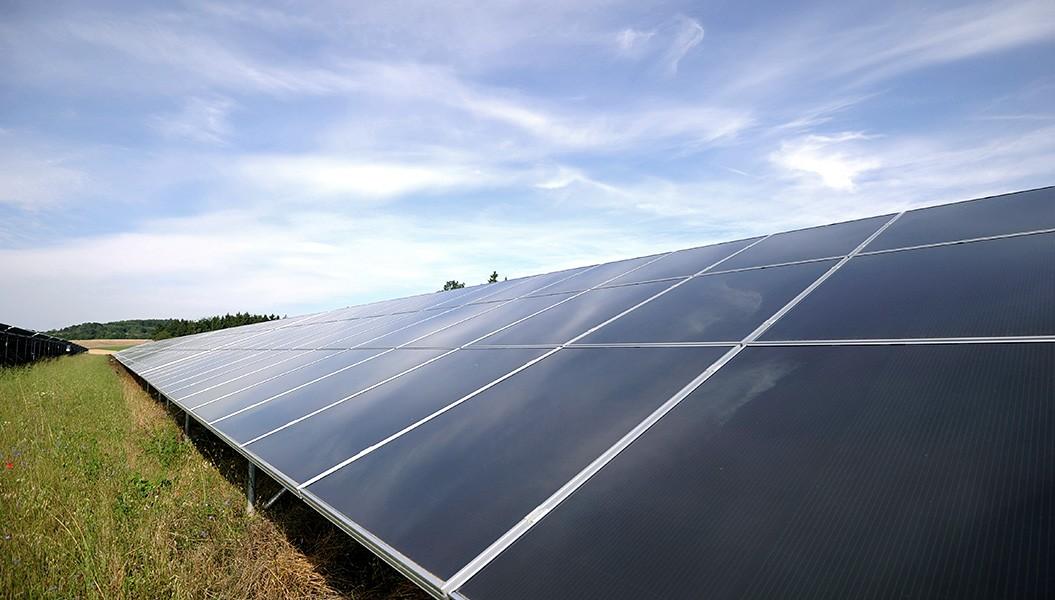 Ein Blick auf die Solaranlage er EnBW in Leibertingen. Solarenergie.